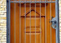 kapu-korlat-kerites-biztonsagi-racs-eloteto-epites-komplett-kivitelezes-006